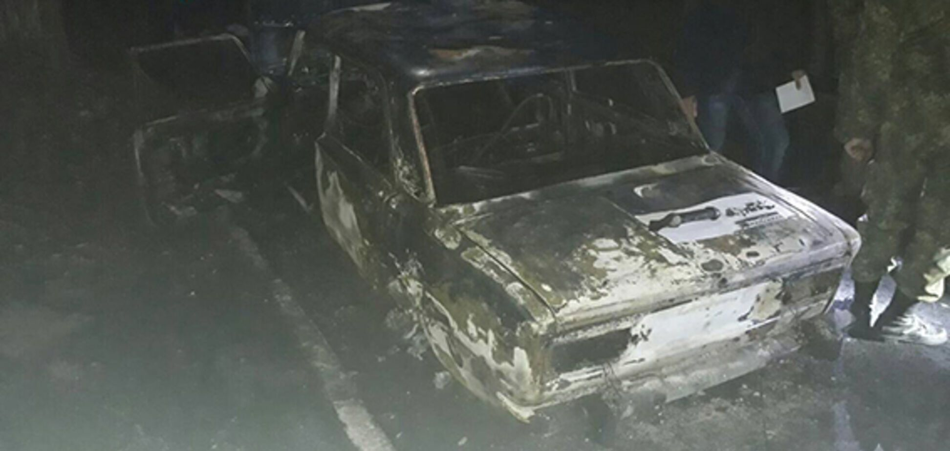 Авто полицейских обстреляли из гранатомета