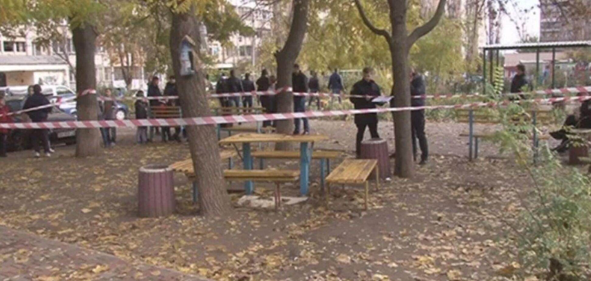 Отдыхал с кумом: вскрылись неожиданные детали расстрела копа в Одессе