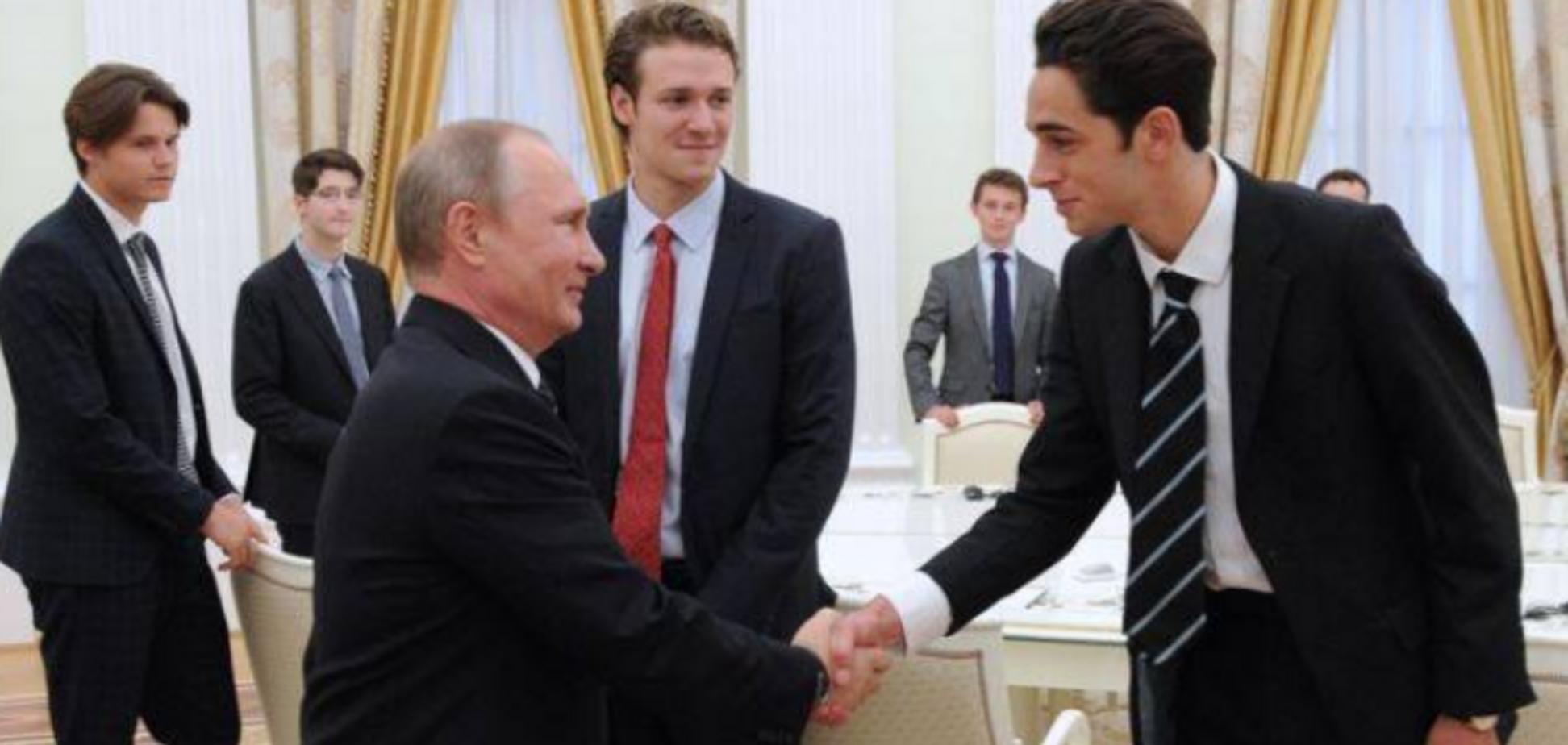 Цирк із ходулями: у мережі показали 'еволюцію' Путіна