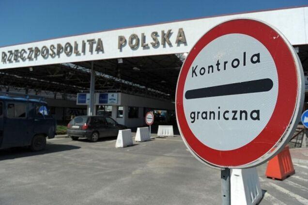 В Польше рассказали, кому из украинцев запретили въезд в страну