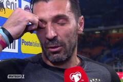 Легенда сборной Италии разрыдался, объявив о завершении карьеры: опубликованы трогательные фото