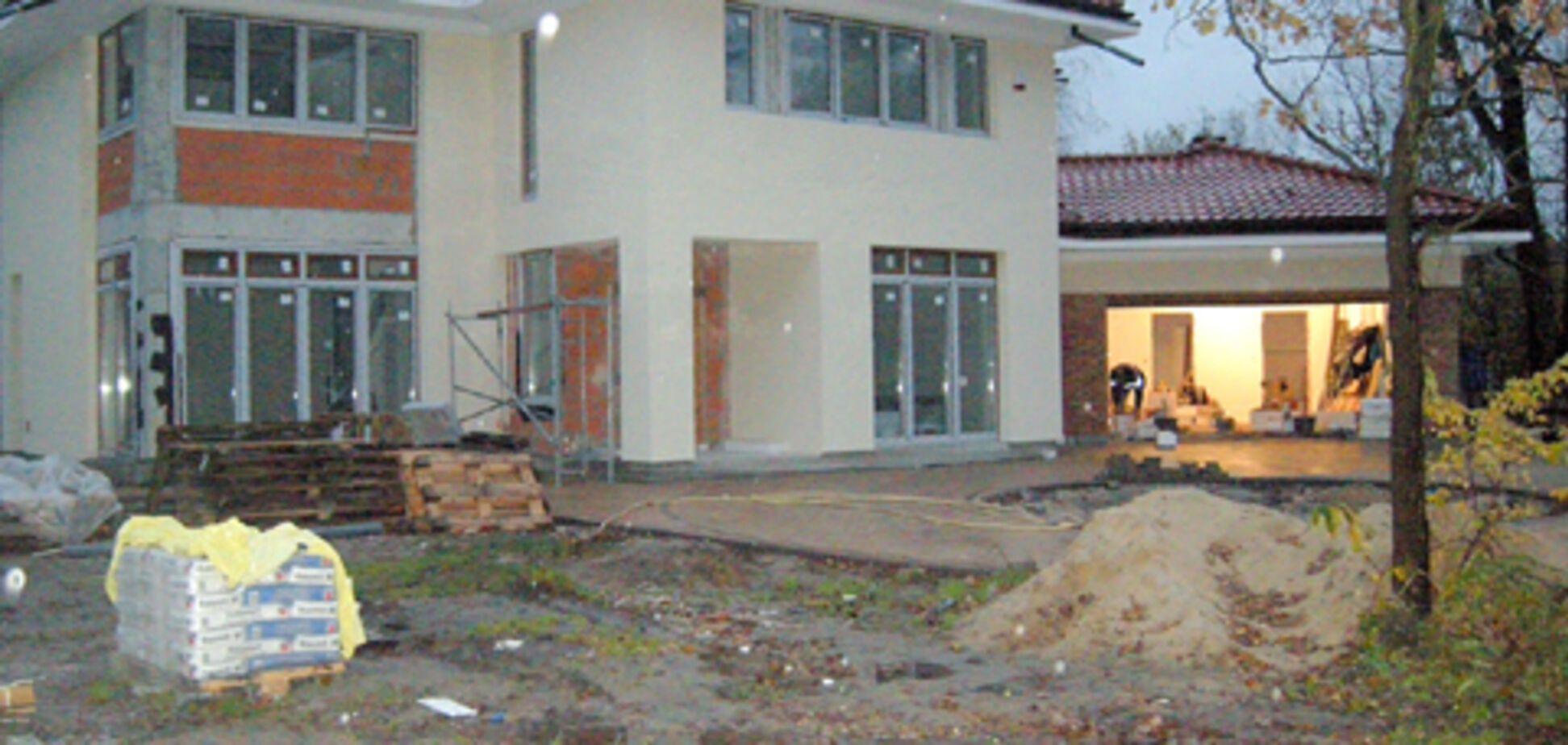 У скандального мэра Ирпеня нашли дом под Варшавой: опубликованы фото