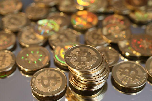 Курс Bitcoin за сутки взлетел на $1000