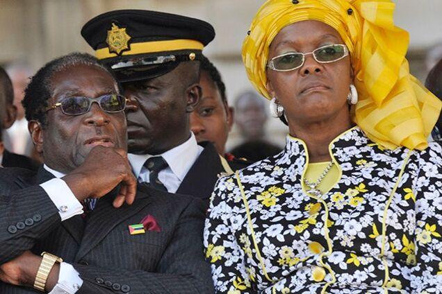 Военный переворот в Зимбабве: стала известна судьба президента и его семьи