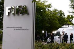 Футбольного чиновника ФИФА раздавил поезд
