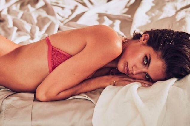 Сексуальная португальская модель публикует в Instagram пикантные фото