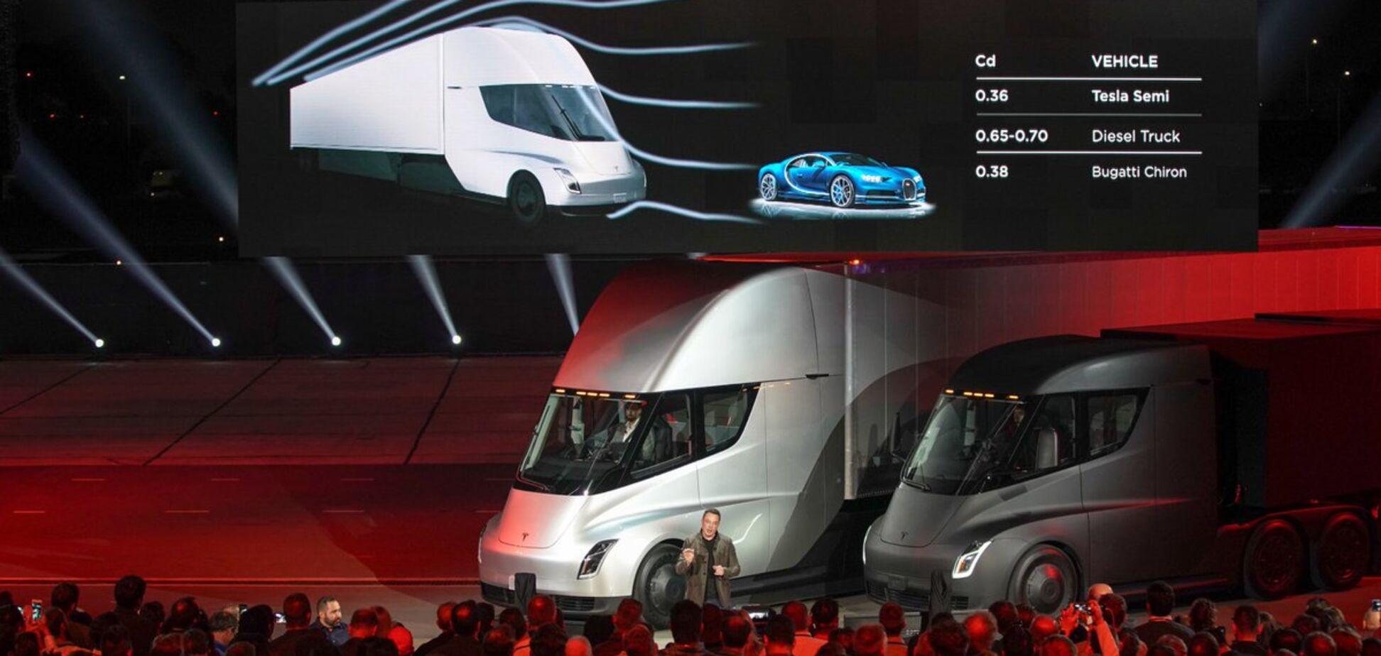'Вибух мозку!' Ілон Маск справив фурор презентацією електрогрузовика Tesla