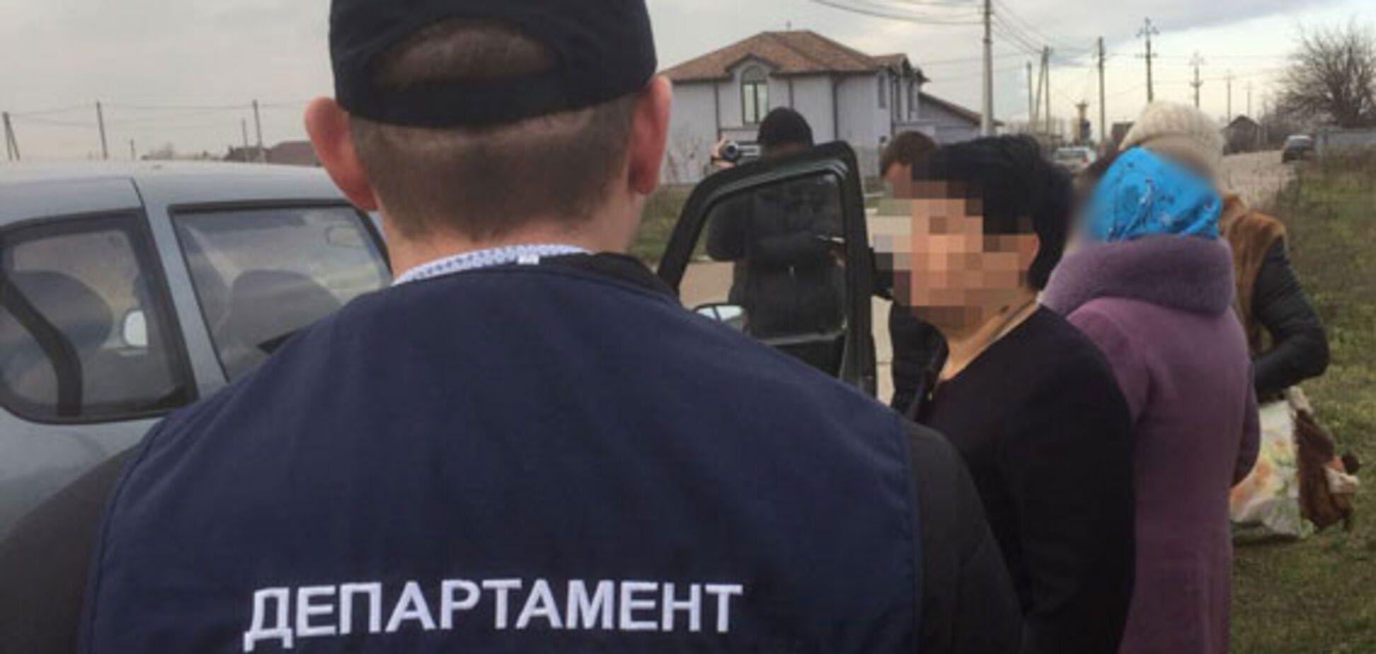 Под Киевом на взятке задержали главу сельсовета: подробности