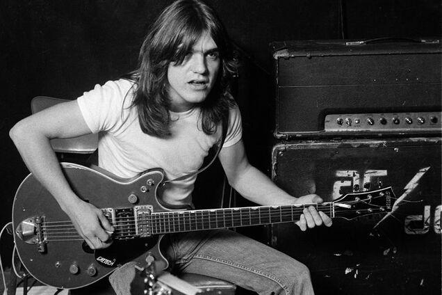 Умер один из основателей легендарной рок-группы AC/DC