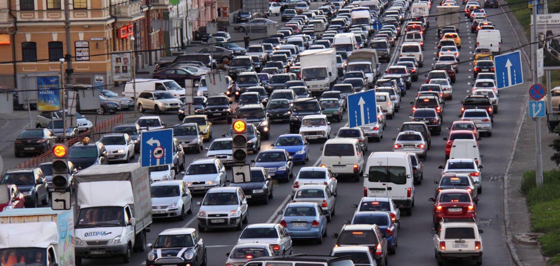 Київ, рух транспорту, День Свободи і Переваги