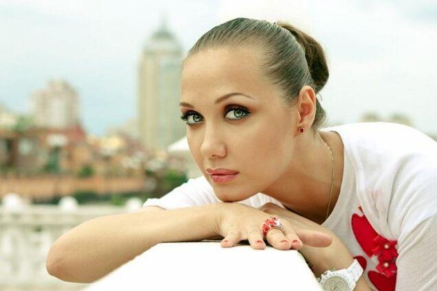 Врачи борются за жизнь: известная украинская певица попала в реанимацию