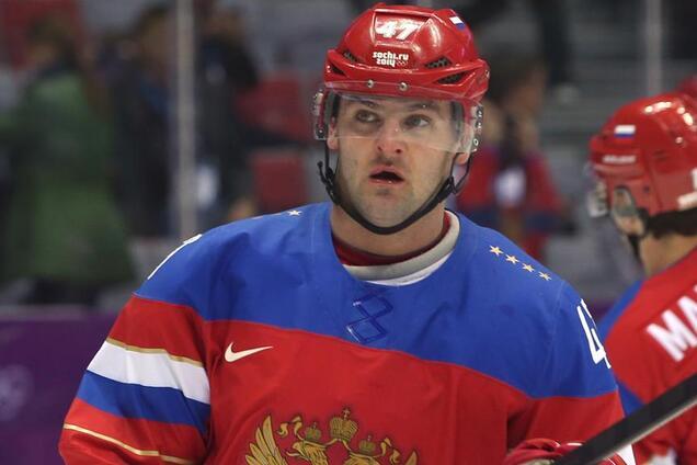 один из хоккеистов потребовал,чтобы ему к аэропорту подали бентли не приедет на олимпиаду