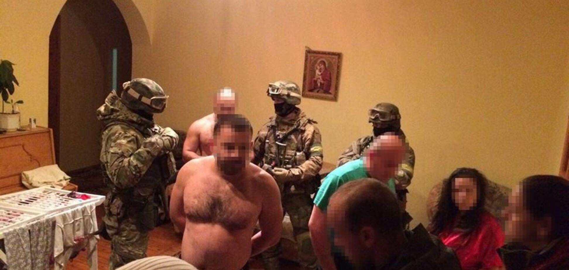 Помогли немцы: украинская полиция разоблачила банду угонщиков элитных авто