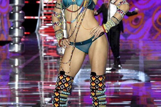 """Известная модель разозлила """"джихадистов"""" стриптизом на Victoria`s Secret"""