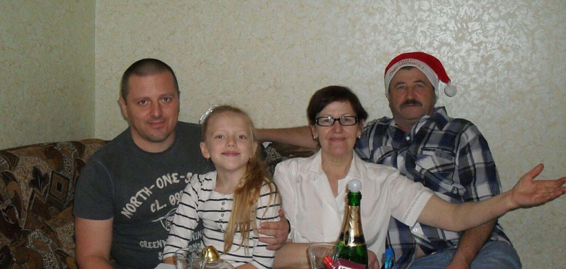 Сплошные 'Одноклассники': опубликованы фото семьи Корнета