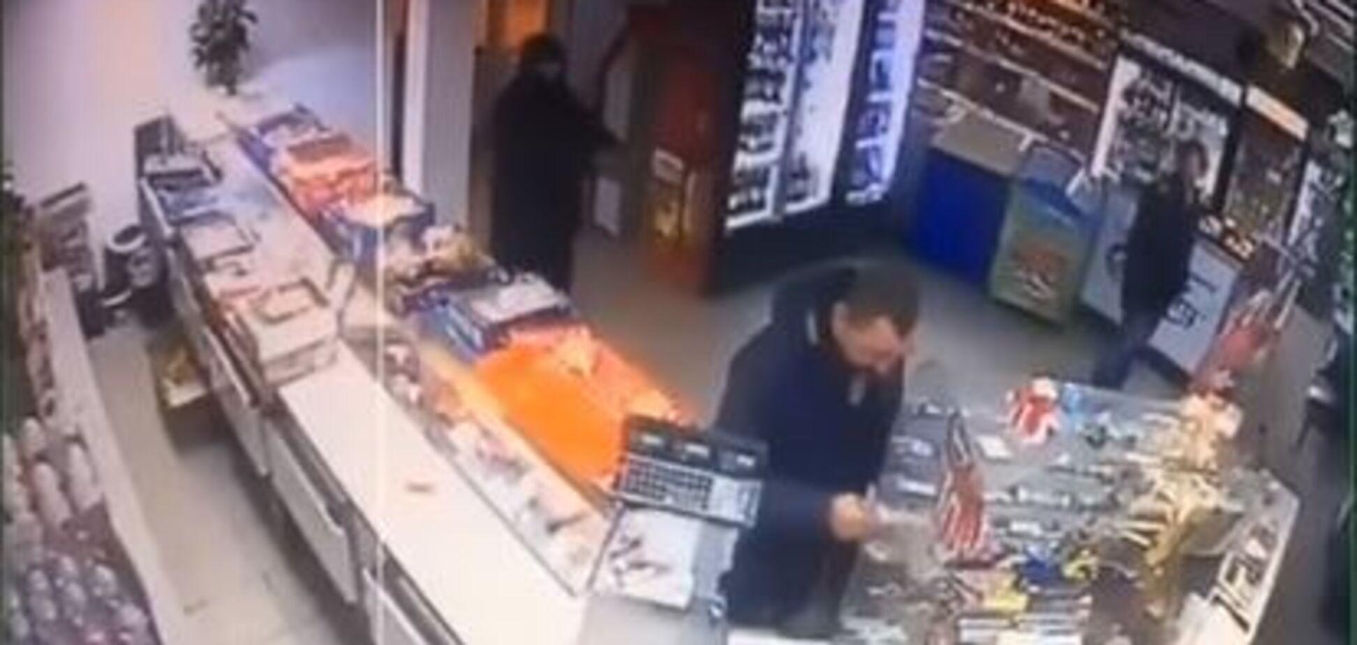 Пограбування за участю сина Попова