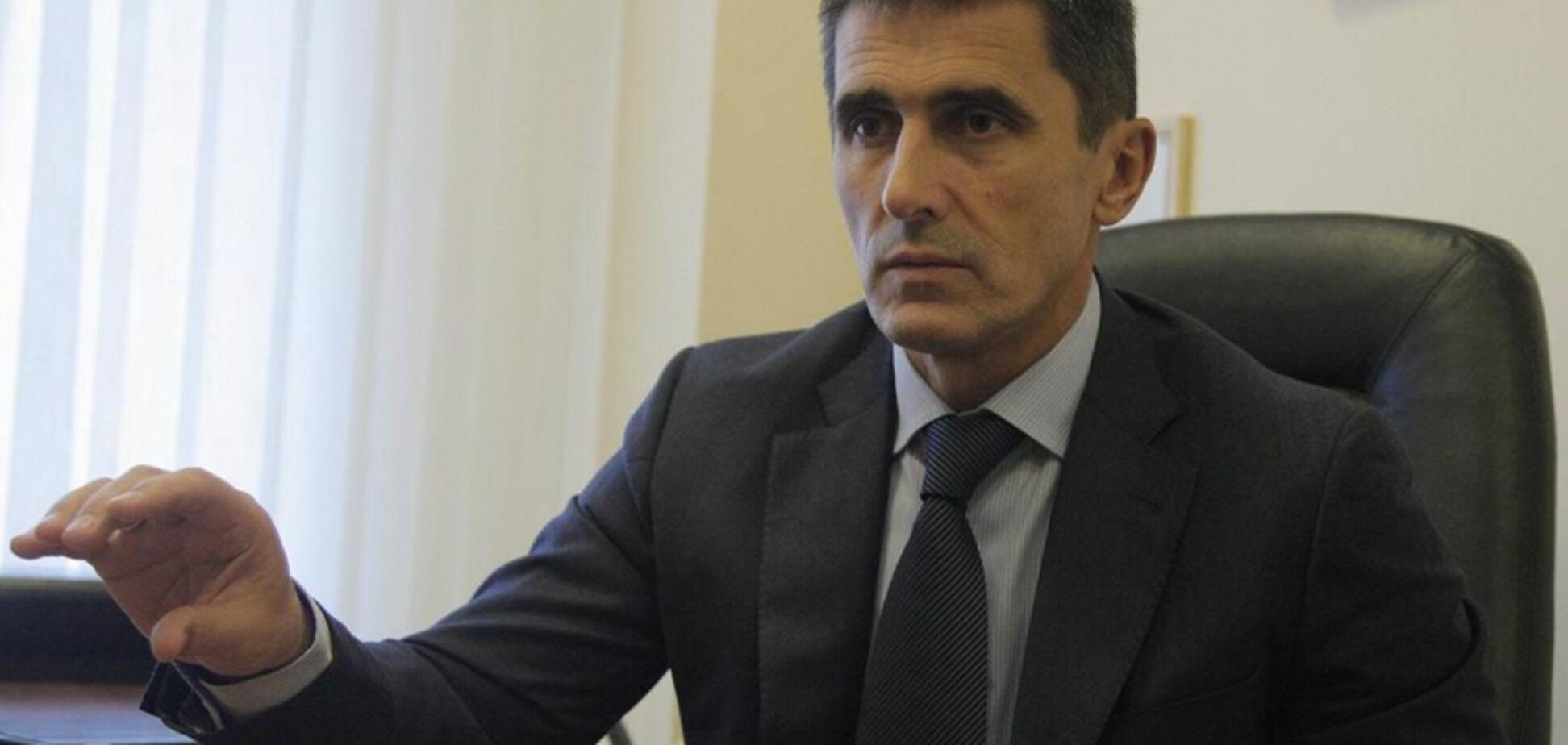 Оформили ФОП: з'явилися подробиці про бізнес колишнього генпрокурора і його сина