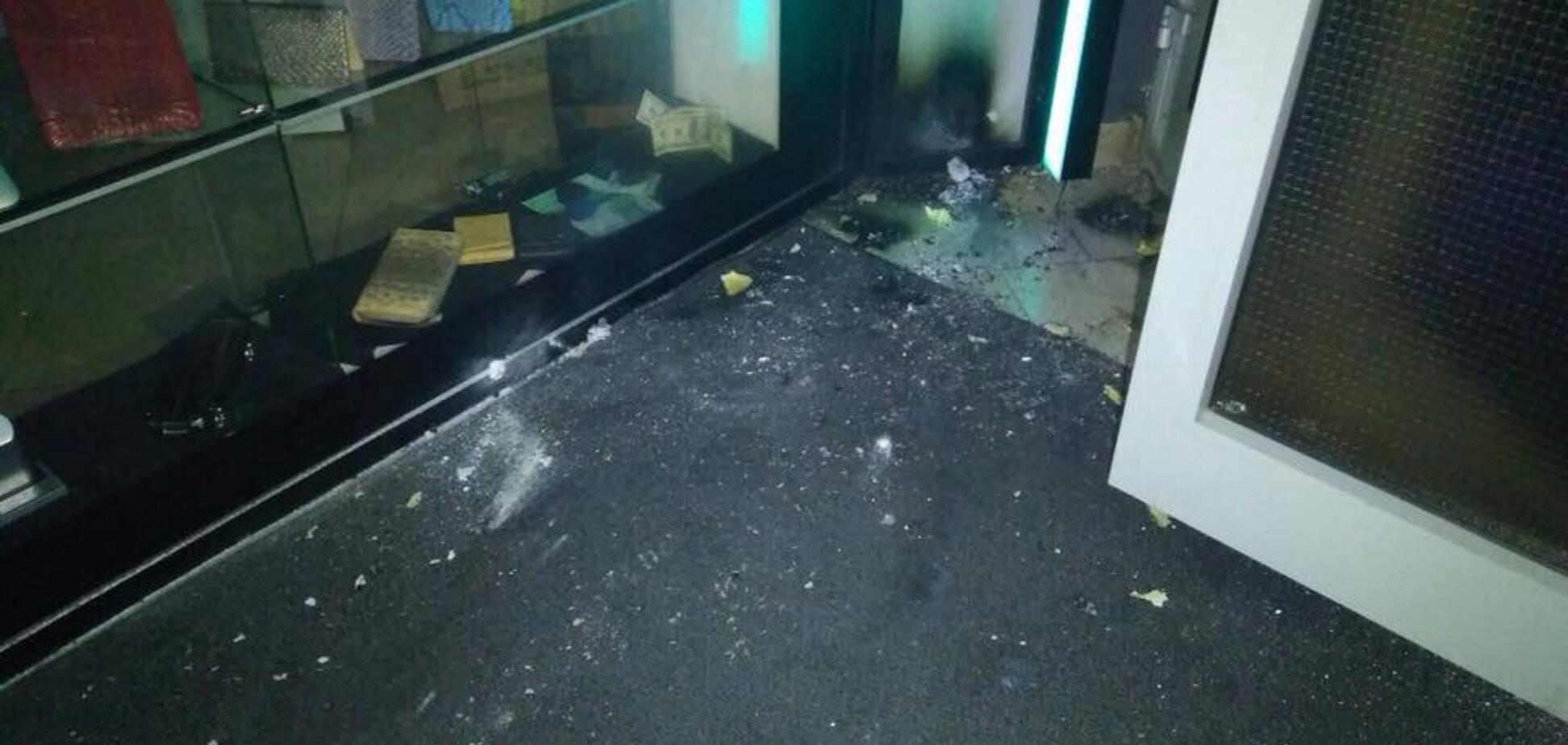 Опубліковано перше відео з місця вибухів у центрі Києва