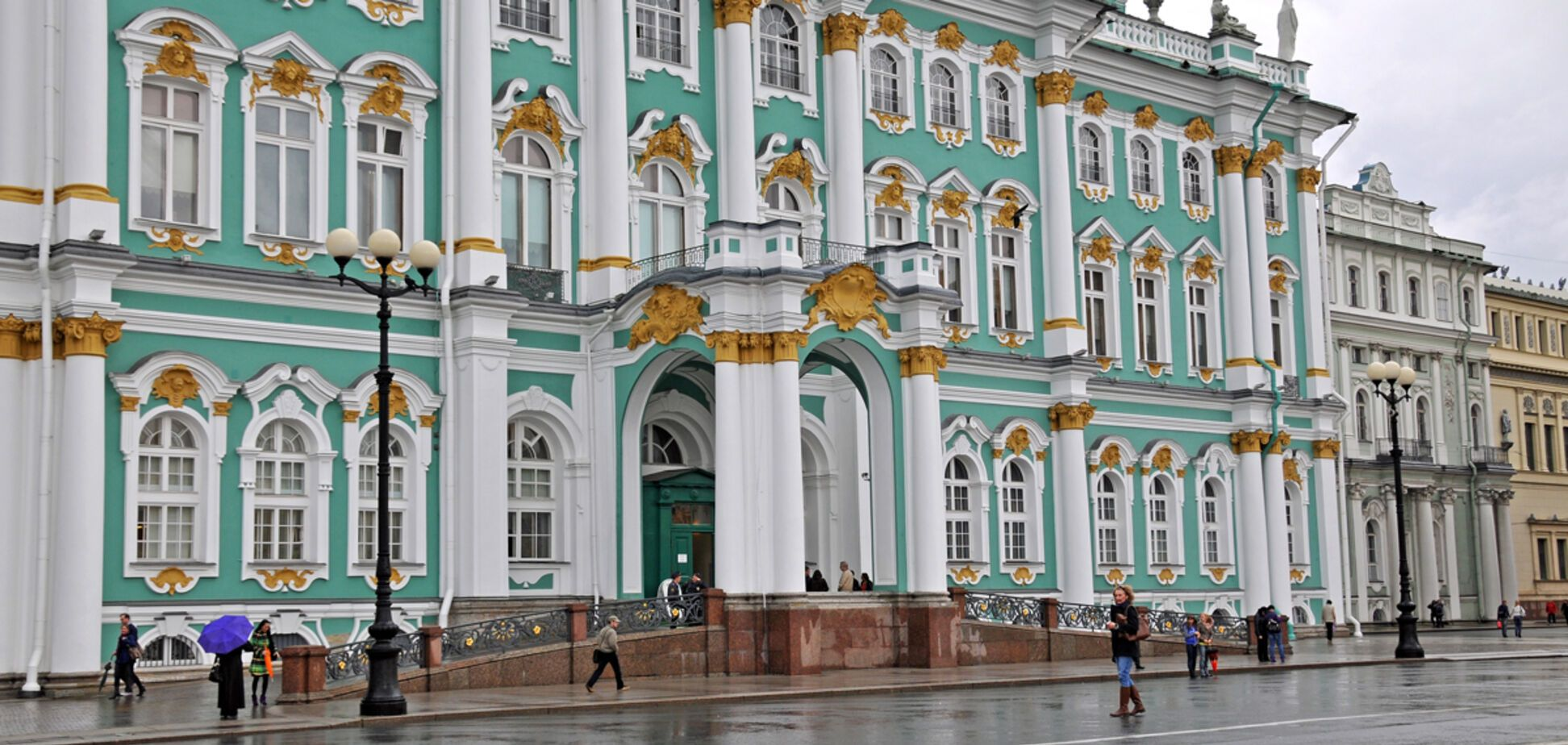 'Пи*датый музей': сеть шокировала выходка россиянина в Эрмитаже