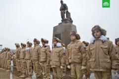 'Дети, берите пример': в России жестко отреагировали на памятник убитому в Сирии наемнику