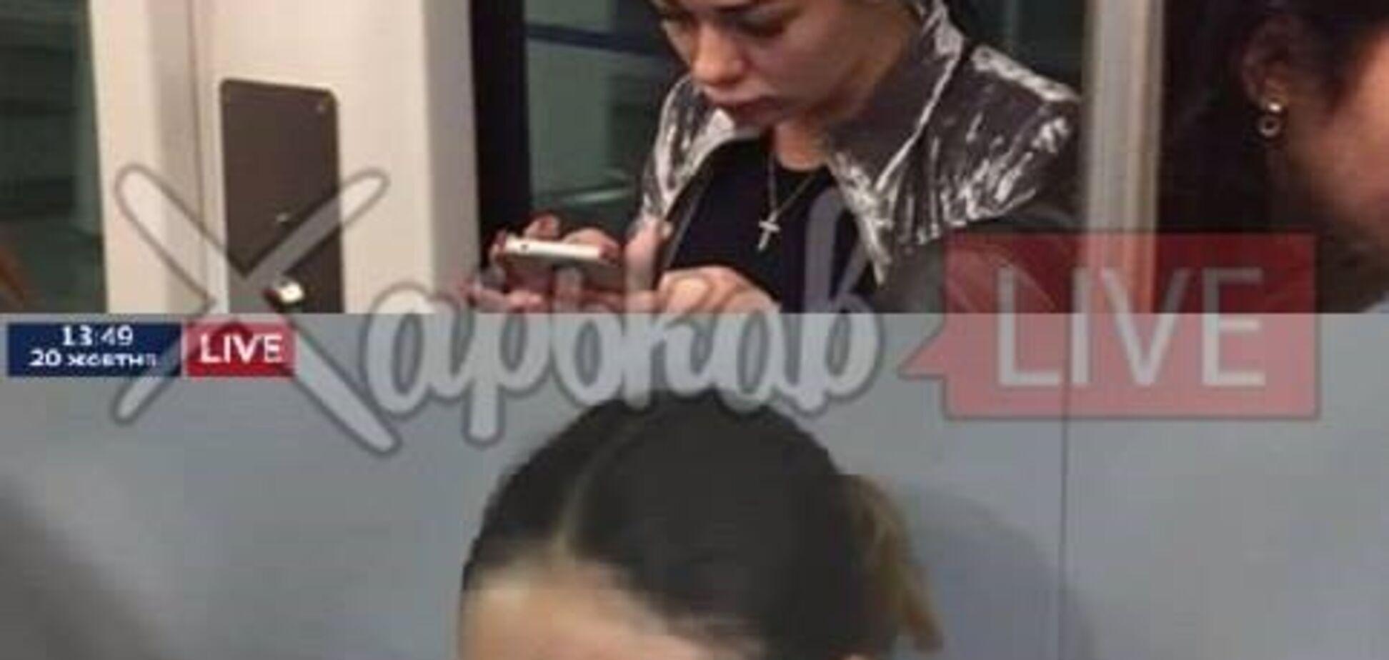 Резонансное фото 'Зайцевой' в аэропорту: стало известно о местонахождении девушки