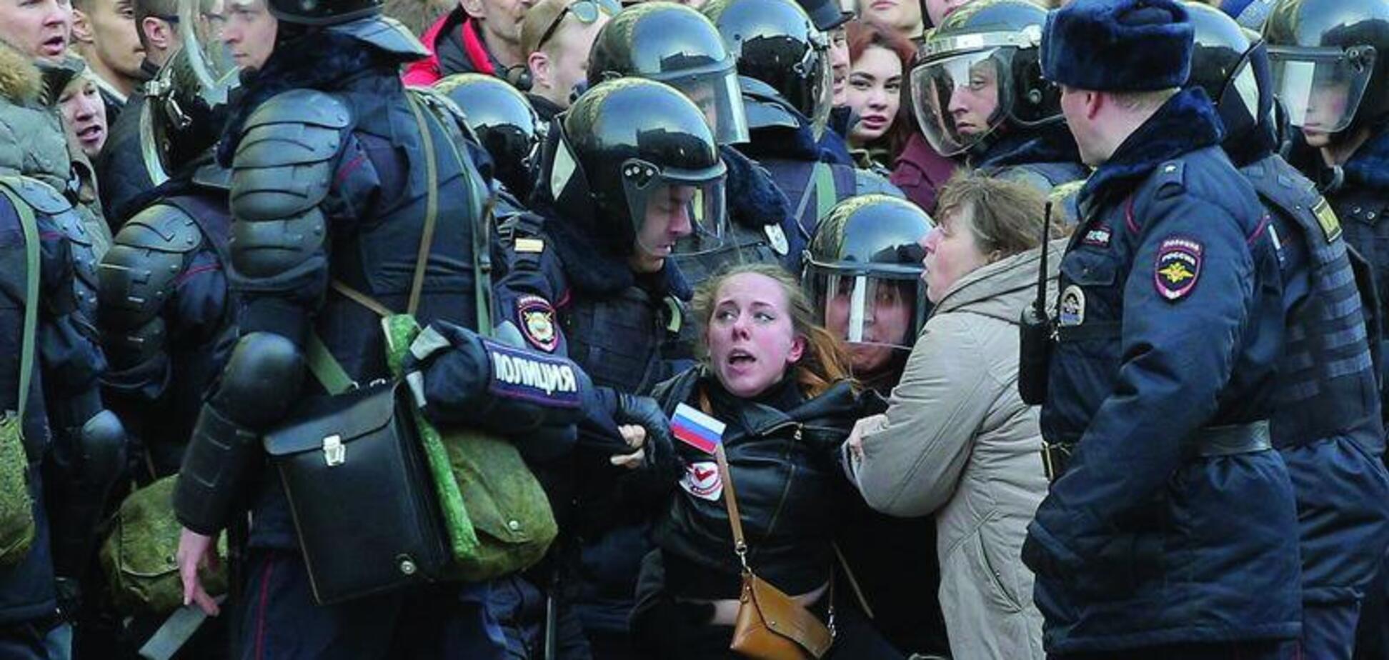 Кремль теряет контроль – Константин Боровой