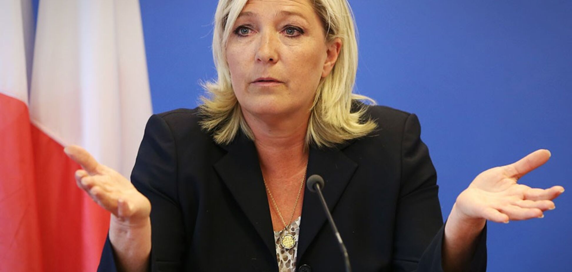 Пострадала из-за Twitter: во Франции применили жесткие меры к 'подруге Путина'