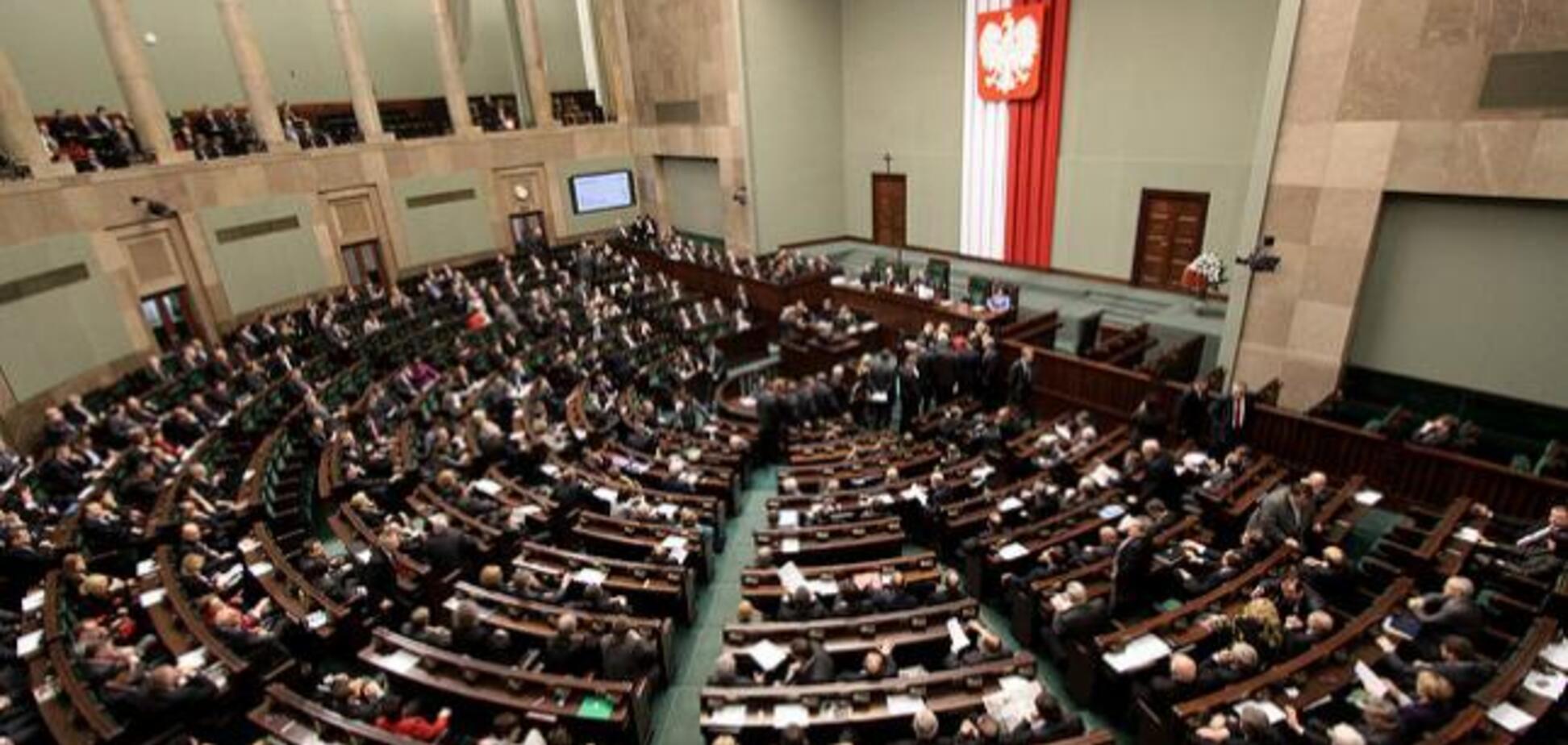 Ссора с Украиной: польский парламент вызвал правительство 'на ковер'