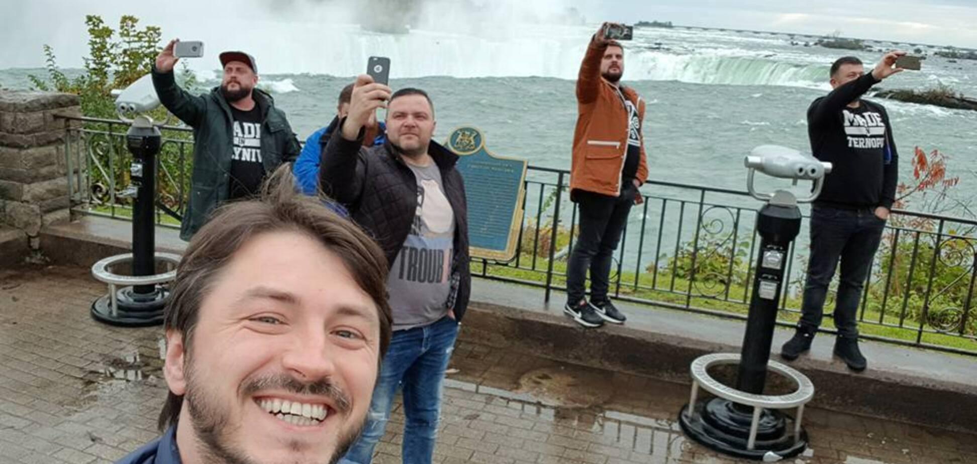 Ось як українців люблять і поважають в Канаді!