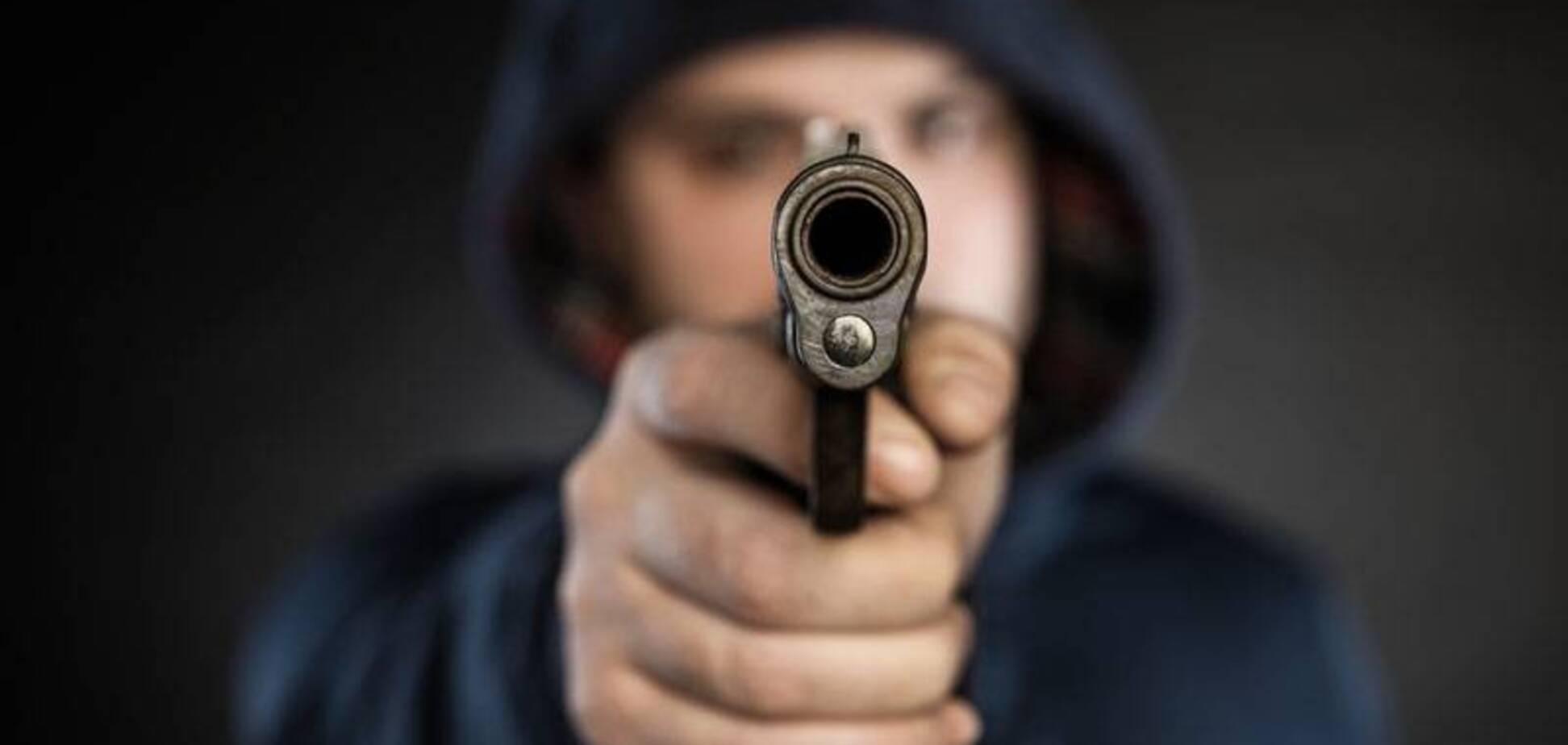 Вооруженный налет в Николаеве: пятеро бандитов выбивали из жертв 'несметные богатства'