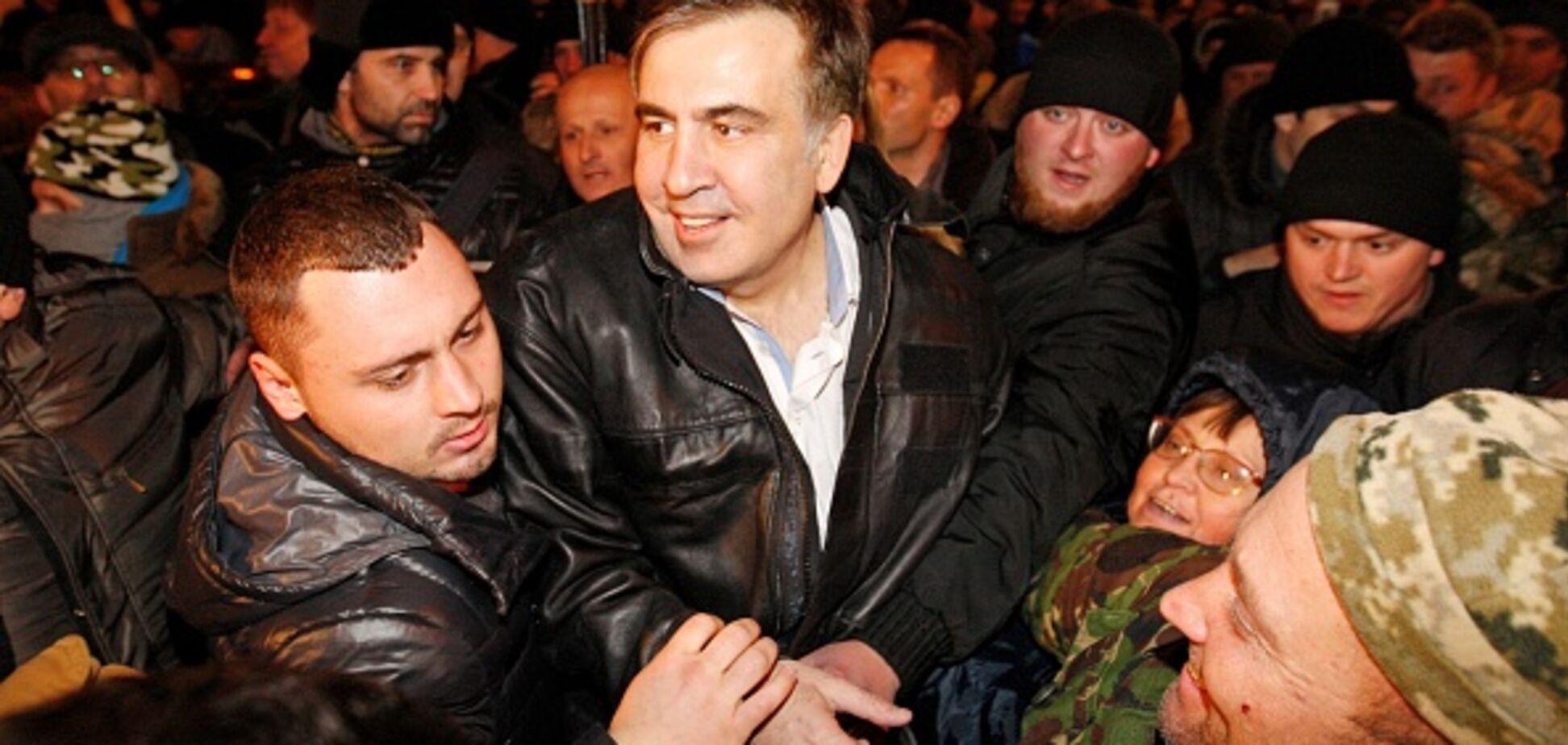 З прізвищами і сумами: розкрита схема, як Курченко передавав гроші Саакашвілі