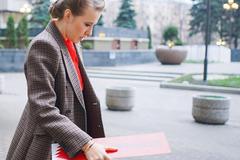 'Закуповує на розпродажах': у мережі вказали на модний прокол Собчак перед Путіним