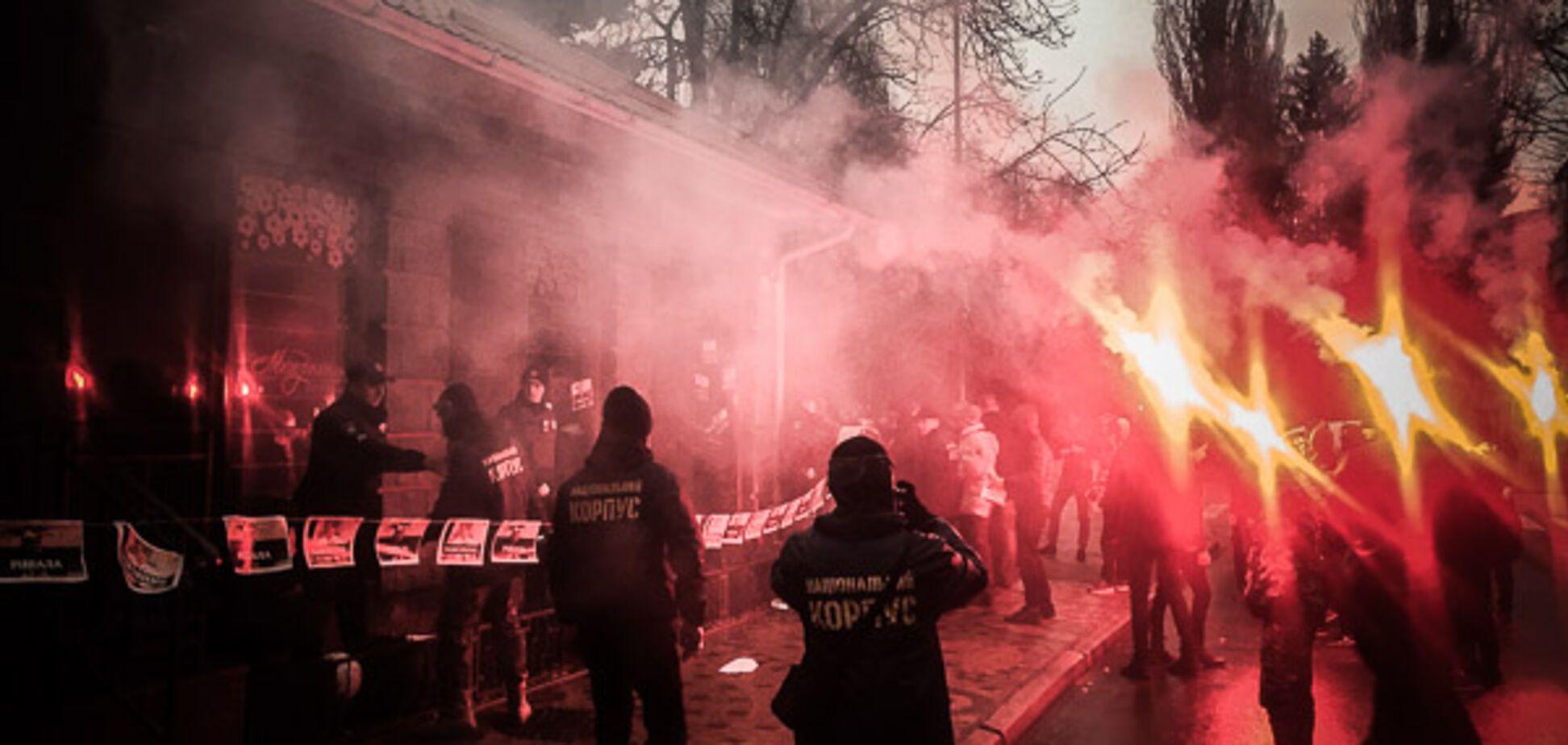 У Кременчуці спалахнула масова бійка з поліцією