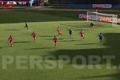 Албанский футболист забил потрясающий гол в стиле Месси, обыграв пол команды соперника: видео шедевра