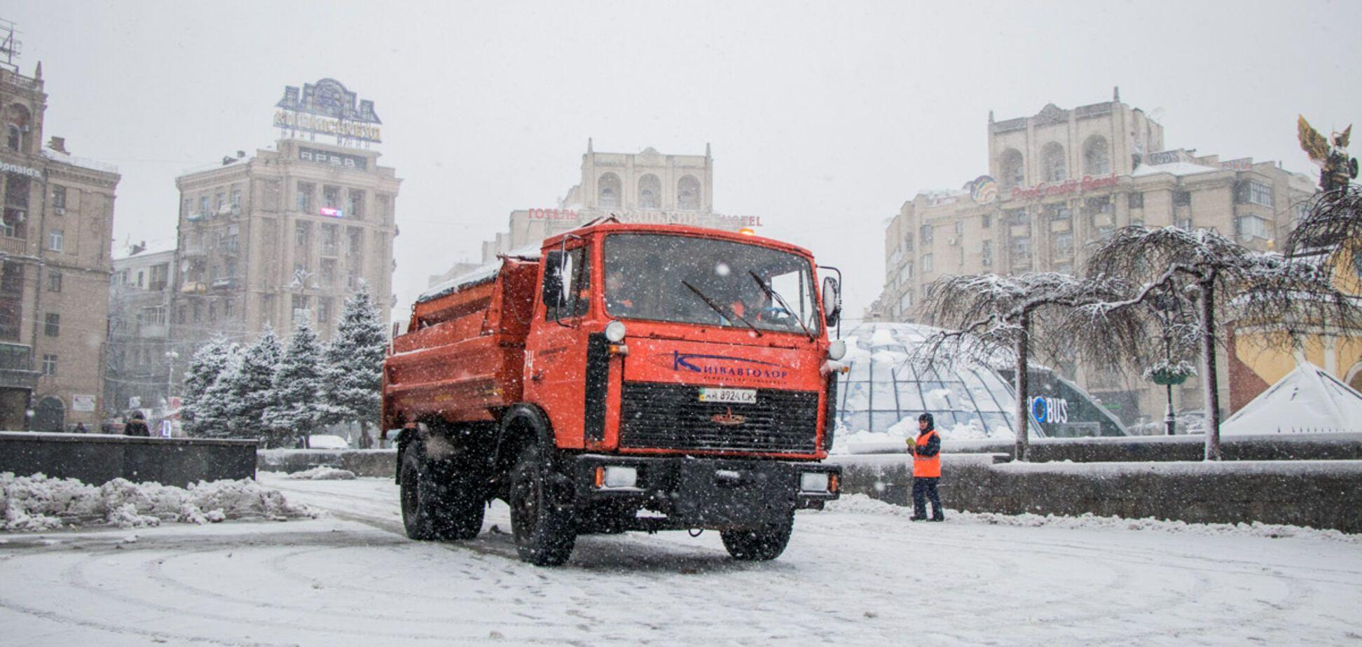 'Идет соревнование': у Кличко рассказали об уборке снега и метро на Троещину