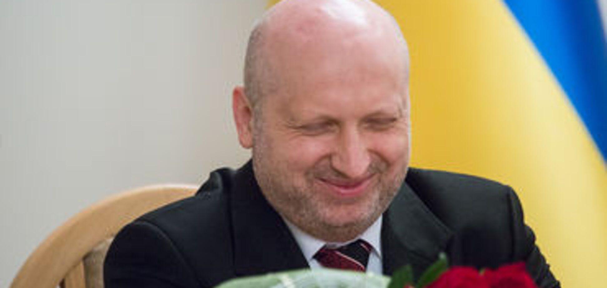 'В кулечек, и куда надо': Турчинов потроллил россиян новым контролем на границе