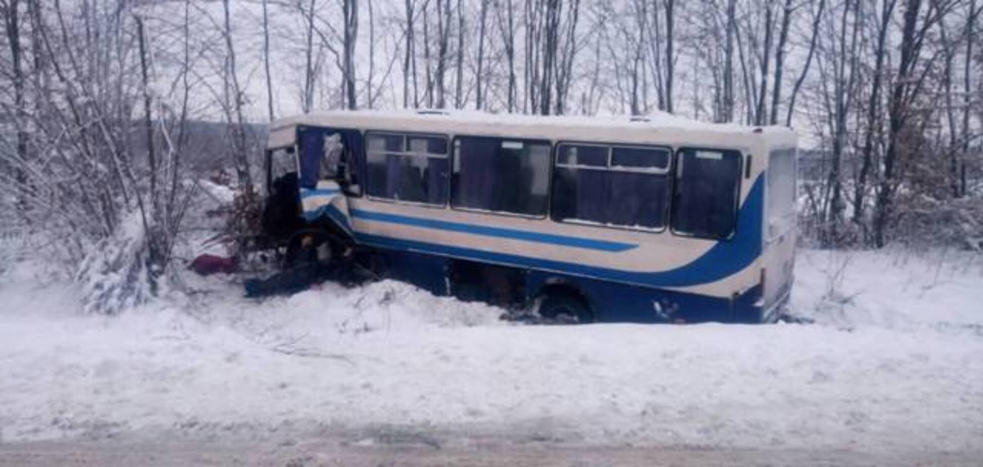 На Львівщині маршрутка зіткнулася з 'Газеллю': є постраждалі