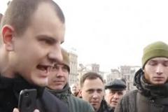 У Києві активіст плюнув в обличчя головному редактору 'Країни'