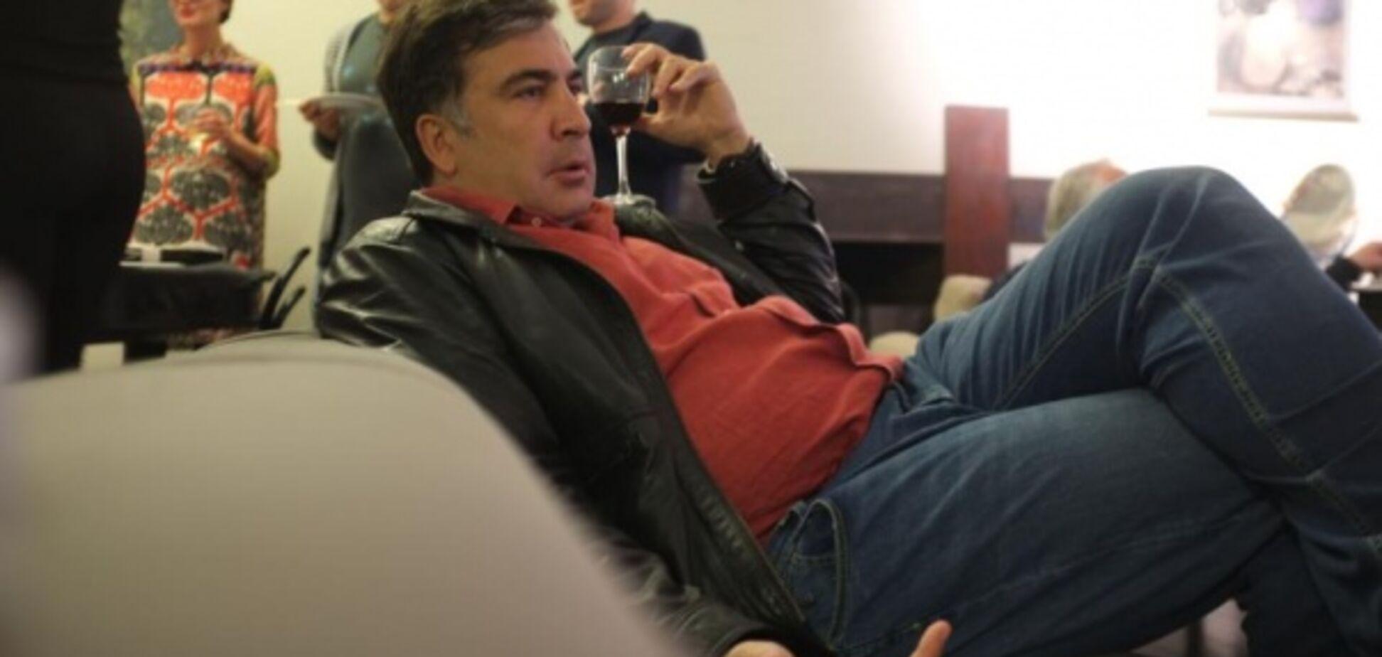 Саакашвили в аэропрту