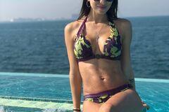 Дружина Ярмоленко викликала фурор в соцмережах знімком в бікіні