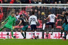 Футболіст збірної Англії побив історичний рекорд, переплюнувши Мессі і Роналду