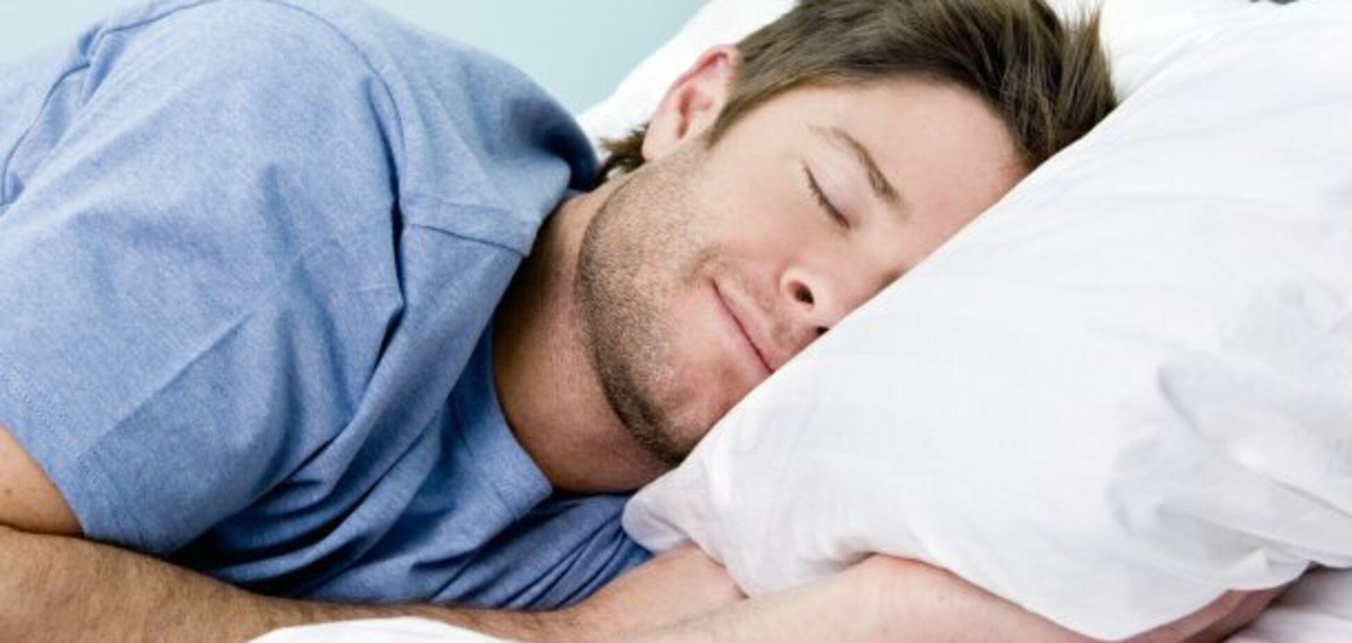 Учені дізналися, як сон впливає на розвиток Альцгеймера
