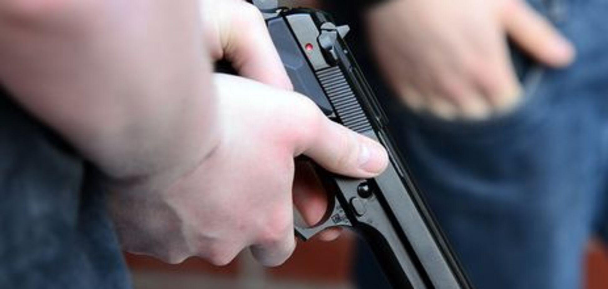'Получил три пули': во Львове соцработник устроил стрельбу в подопечной семье