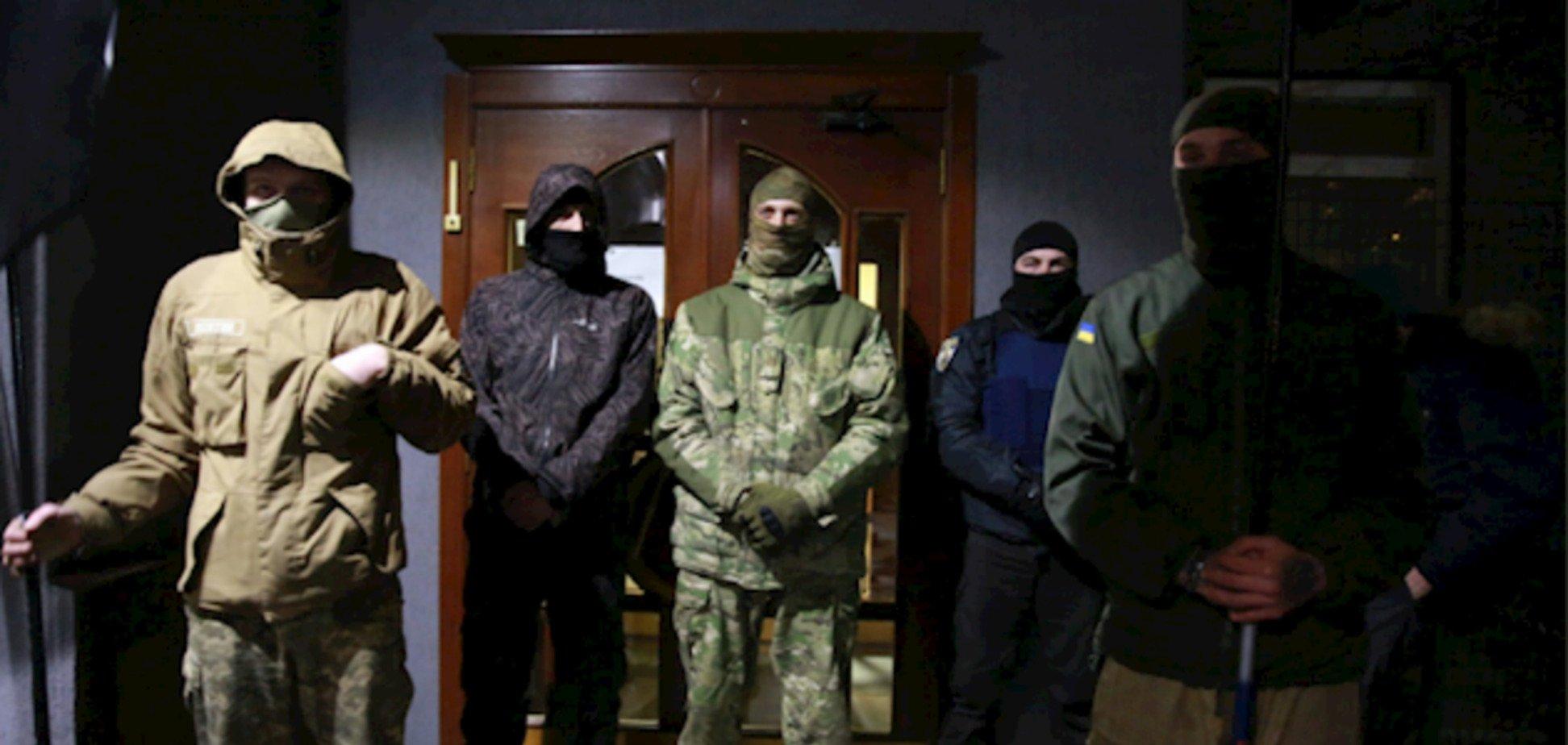 Блокада телеканала Мураева: полиция отреагировала на действия людей в балаклавах