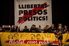 Іспанський суд відпустив частину лідерів каталонських сепаратистів