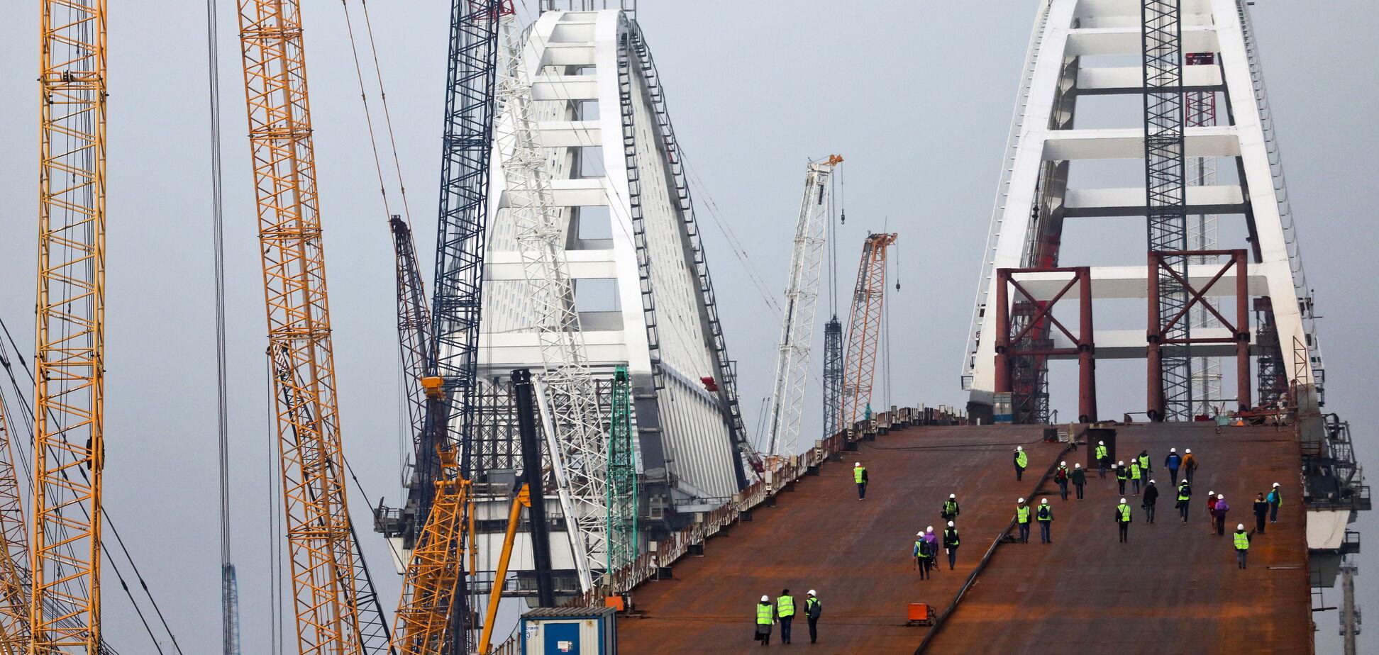 Откроют не для всех: оккупанты рассказали, когда Керченский мост соединит Крым и Россию
