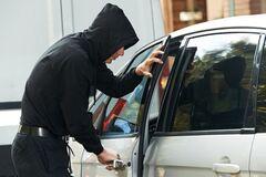 Викрадення авто з 'приманкою': водіїв попередили про нову хитрість злочинців