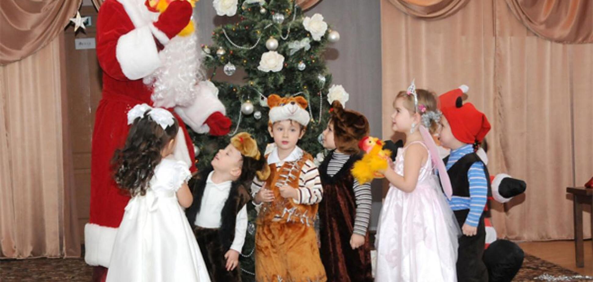 Скандал с русским Дедом Морозом в Днепре: всплыли шокирующие подробности