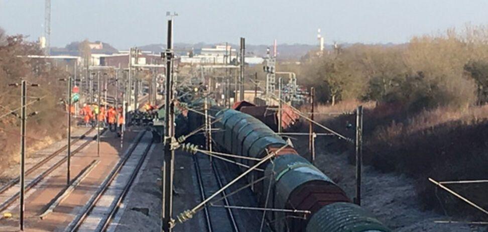 В Люксембурге пассажирский поезд столкнулся с товарняком: опубликованы фото и видео