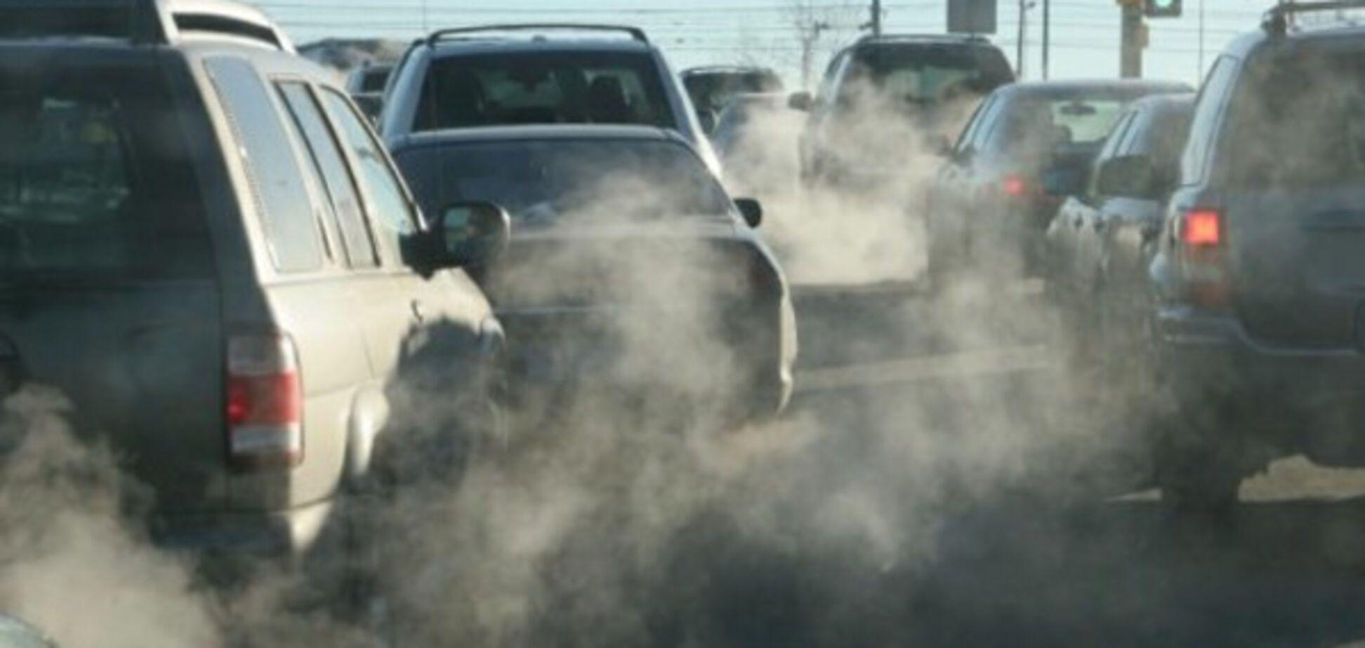 Автомобильные выхлопы продолжают травить запорожцев
